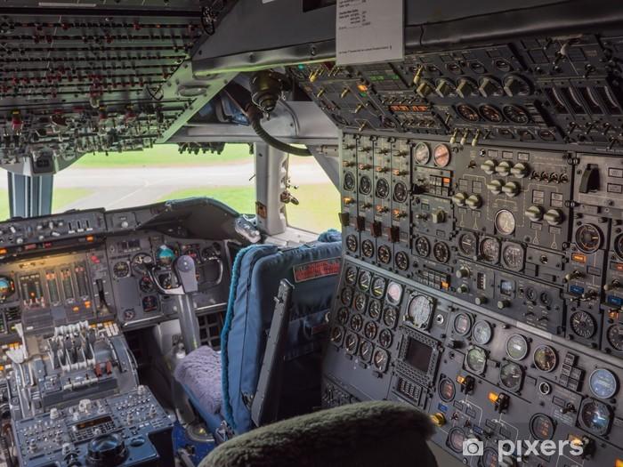 Fototapeta winylowa Kokpit z jumbo jet - Transport powietrzny