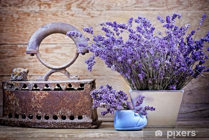 Fotomural Estándar Lavanda seca y rústico (oxidado) Hierro - estilo vintage - Hierbas