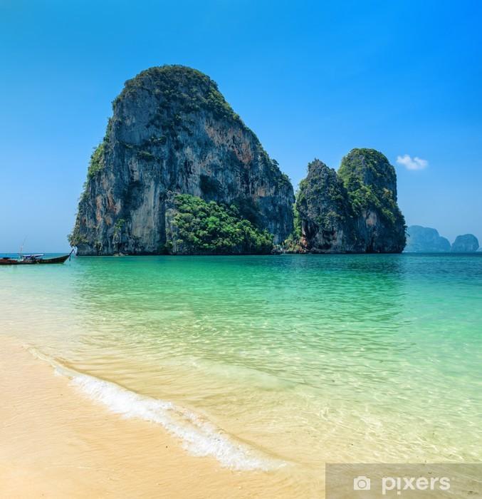 Papier peint vinyle L'eau claire et ciel bleu. Phra Nang Beach, Thaïlande - Eau