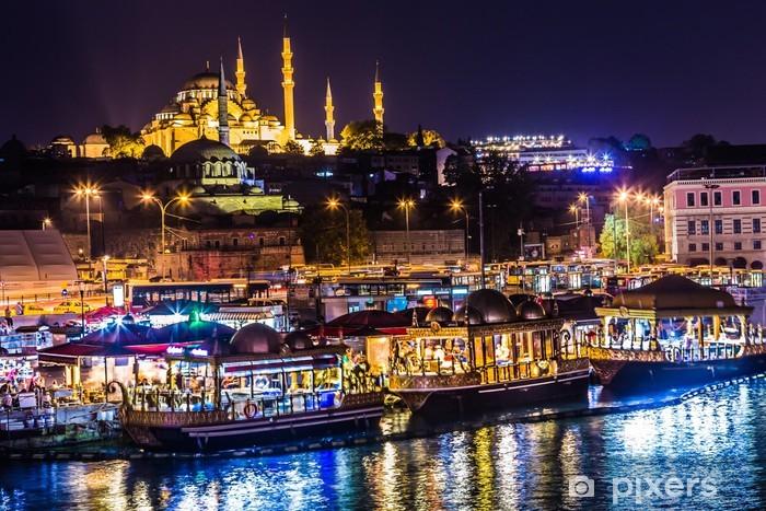 Vinyl Fotobehang Nacht zicht op de restaurants aan het einde van de Galata-brug, S - Midden Oosten