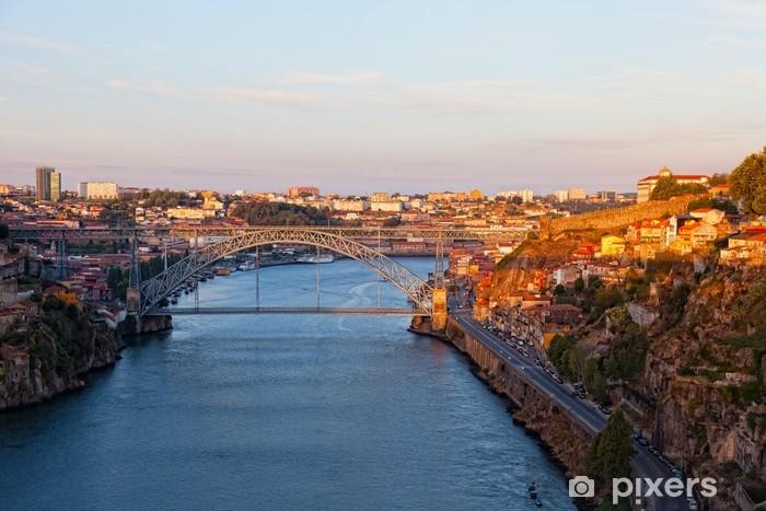 Naklejka Pixerstick Portugalia. Porto city. Widok z nasypu rzeki Douro - Pejzaż miejski