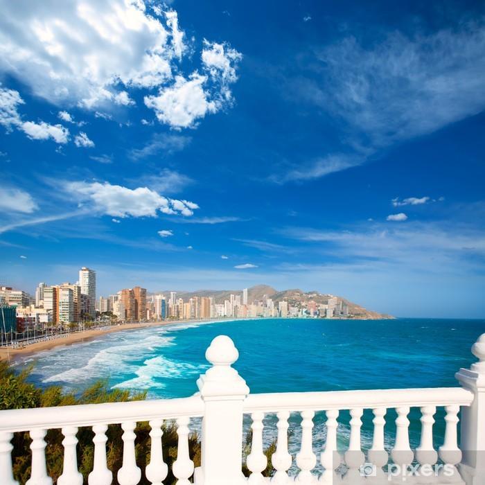 Fototapeta winylowa Benidorm balkon Morza Śródziemnego z białym balustrady - Europa