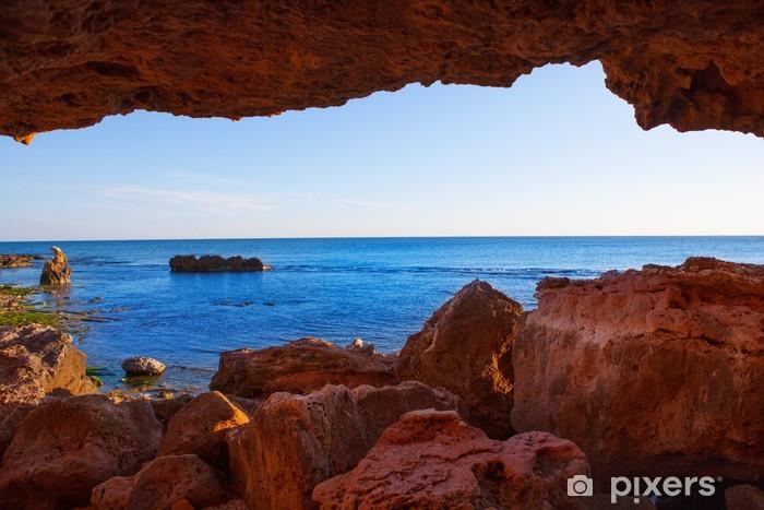 Fototapeta winylowa Denia Las Rotas z jaskiń i Morza Śródziemnego - Europa