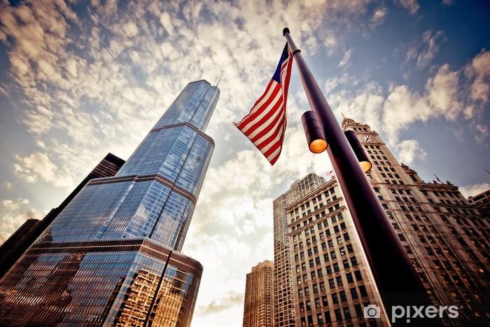 Nálepka Pixerstick Americká vlajka nad mrakodrapy - Město