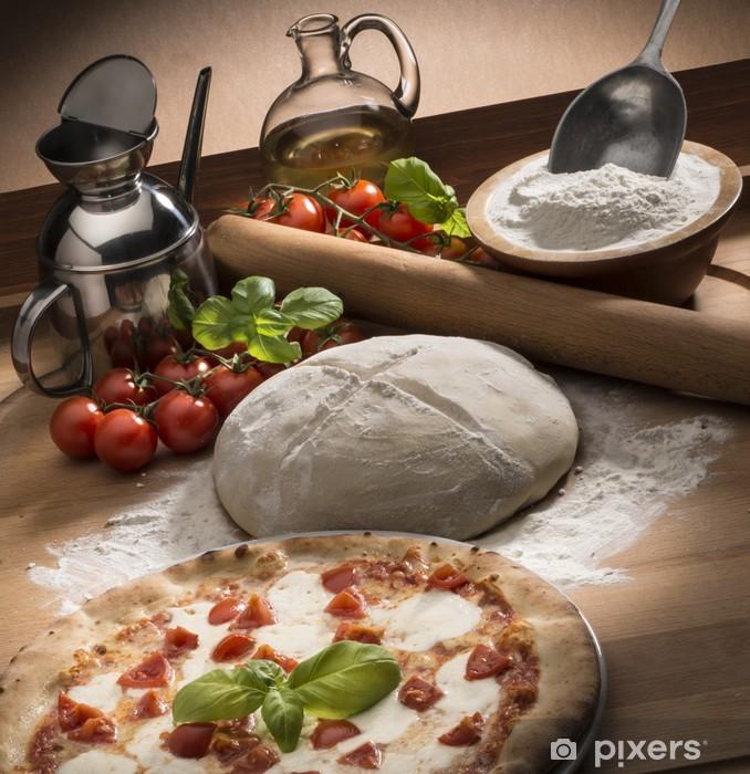 Carta Da Parati Pizza Con Gli Ingredienti Sul Tavolo Di Legno Pixers Viviamo Per Il Cambiamento