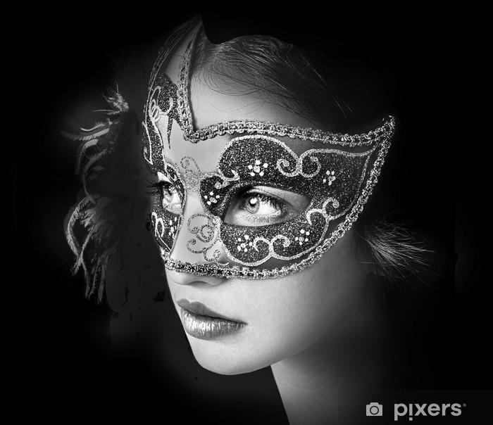 Papier peint vinyle Close up portrait de femme dans le masque vénitien mystérieux - Femmes
