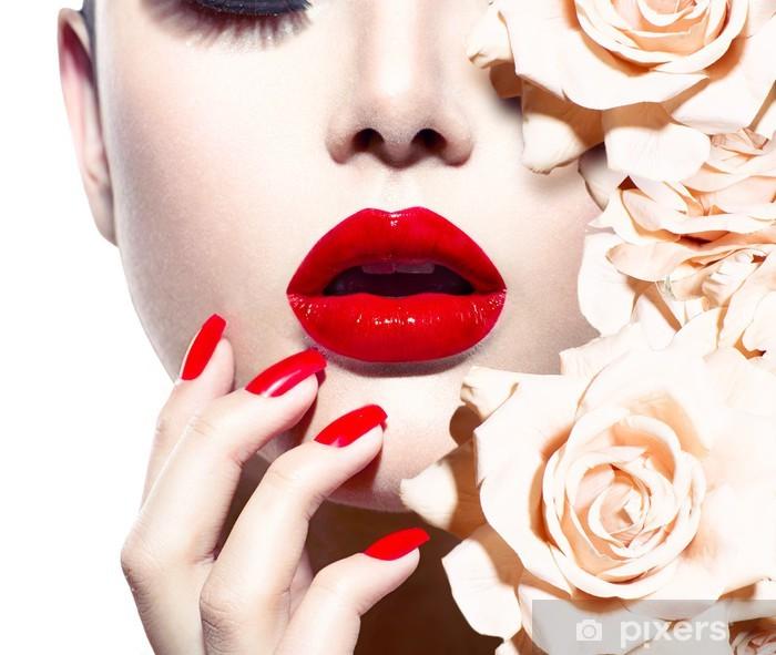 Fototapeta winylowa Moda Sexy Kobieta z kwiatami. Vogue styl modelu - Moda