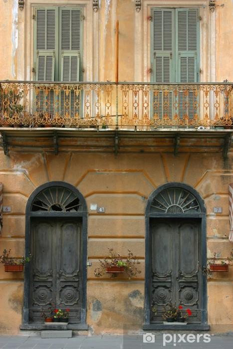 Fototapeta winylowa Drzwi i stary wenecki w Borguetto - Europa