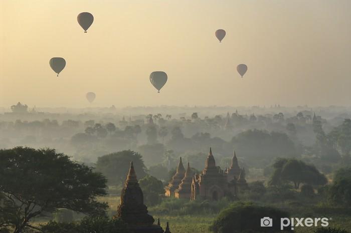 Carta da parati templi di bagan con mongolfiera myanmar birmania