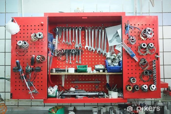 Vinyl-Fototapete Arbeiten bei einer Reparaturwerkstatt - Industriewerkzeuge