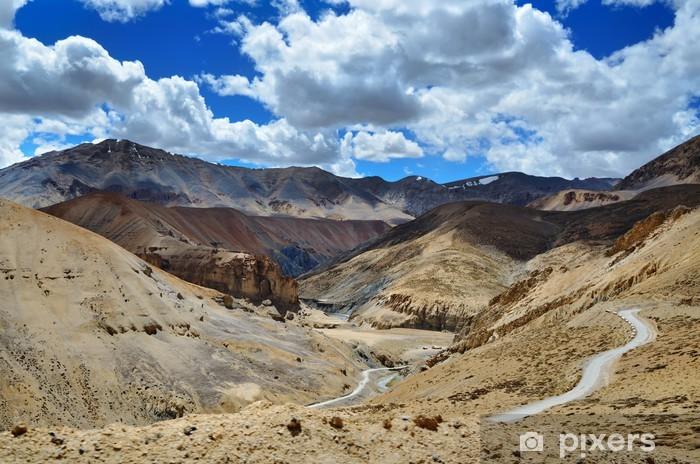 Sticker Pixerstick Route dans les montagnes de l'Himalaya - Thèmes