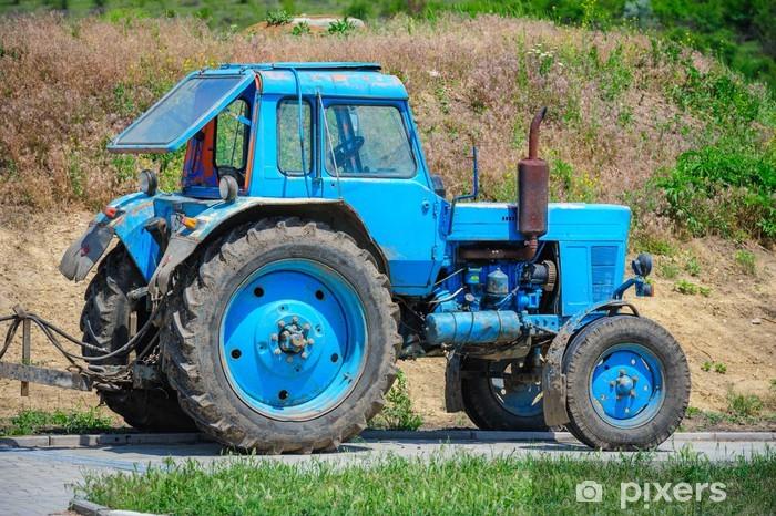 Fototapeta winylowa Stary traktor - Rolnictwo