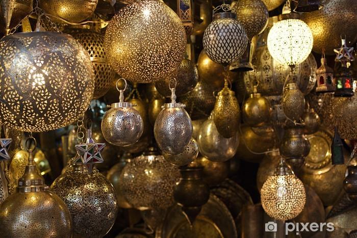 Bureau- en Tafelsticker Marokkaanse glas en metaal lantaarns lampen in Marrakesh souq - Afrika