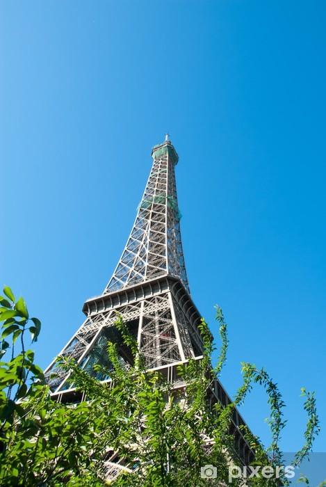 Vinyl-Fototapete Eiffelturm gegen einen blauen Himmel II - Europäische Städte