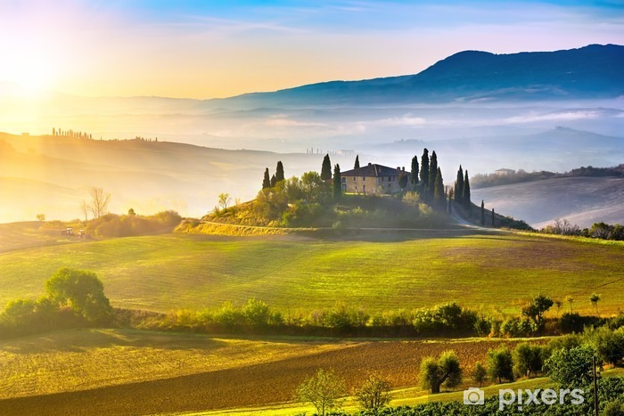 Papier peint vinyle La Toscane au lever du soleil - Thèmes