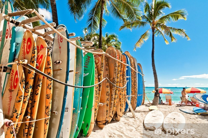 Afwasbaar Fotobehang Surfplanken in het rek op Waikiki Beach - Honolulu - Hawaii