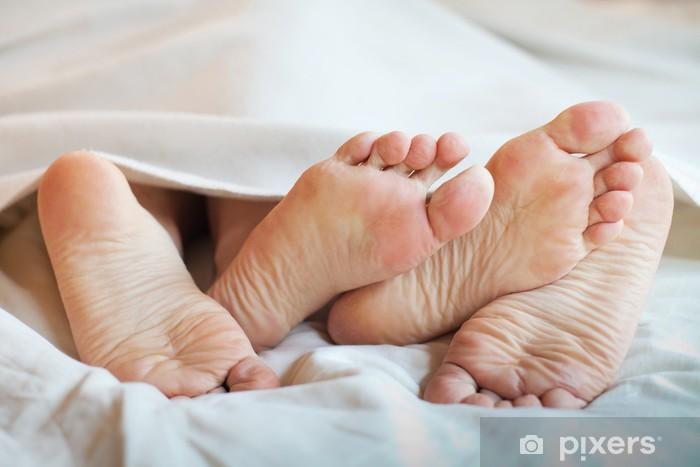 Pixerstick Dekor Fötter par i sängen - Firande