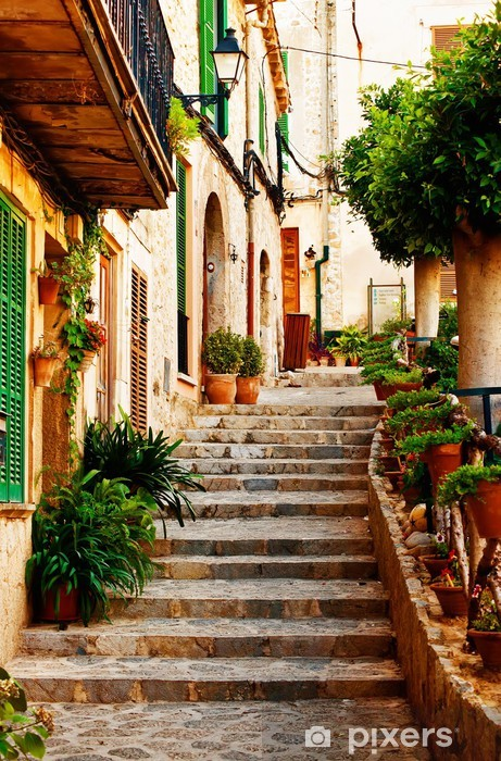 Pixerstick Sticker Straat in Valldemossa dorp in Mallorca -