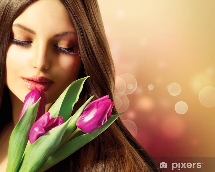 Naklejka Pixerstick Wiosna uroda Kobieta z bukietem kwiatów - Kobiety