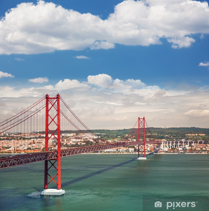 Fototapeta winylowa 25 kwietnia Most wiszący w Lizbonie, w Portugalii, Eutopean tr - Miasta europejskie