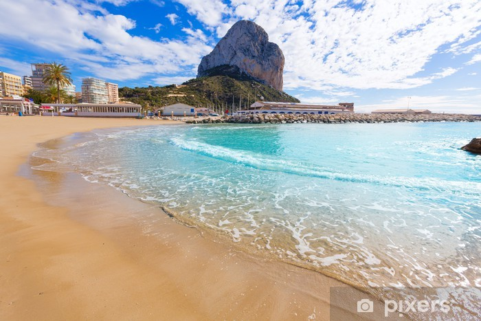 Fototapeta winylowa Plaża Playa Cantal Roig Calpe pobliżu Penon Ifach Alicante - Europa