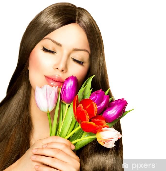 Vinyl-Fototapete Beauty Frau mit Frühlings-Blumenstrauß der Tulpe-Blumen - Frauen