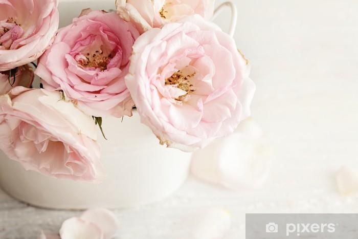 Fototapeta winylowa Różowe kwiaty w wazonie - Tematy