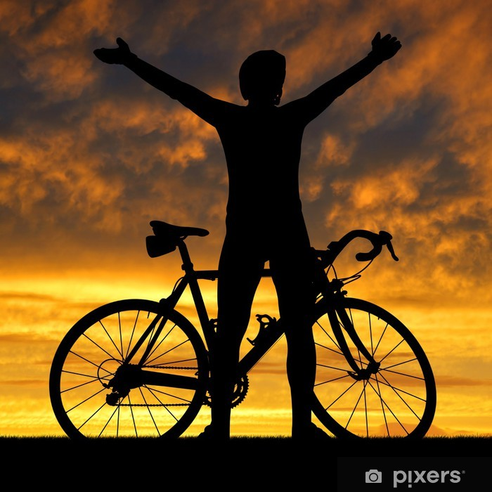 Papier peint vinyle Silhouette du cycliste sur vélo de route au coucher du soleil - Cyclisme