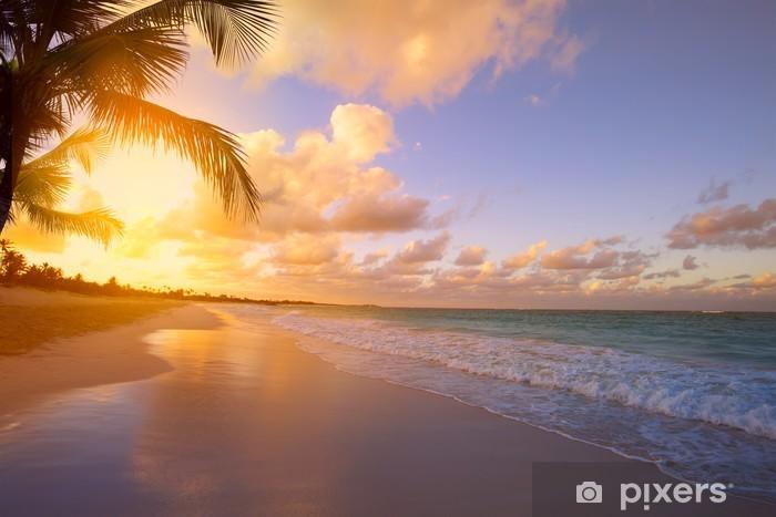 Pixerstick Sticker Kunst Mooie zonsopgang over het tropische strand - Thema's