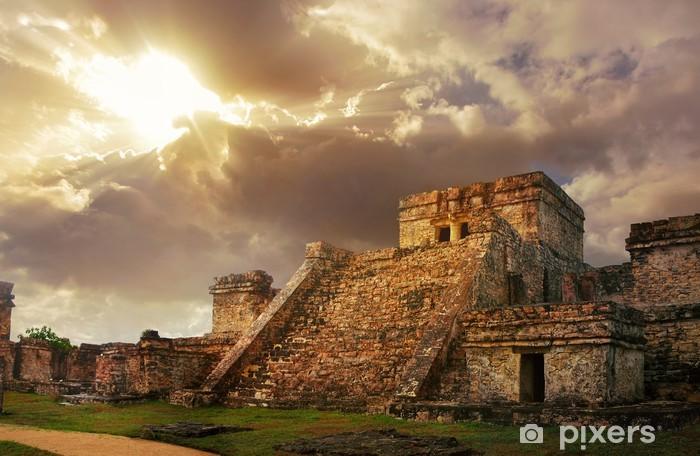 Papier peint vinyle Castillo forteresse au lever du soleil dans l'ancienne cité maya de Tulum, - Thèmes