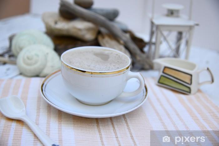 Fototapeta winylowa Poranna kawa w biały, białawy, gruzu morze na plecach - Gorące napoje