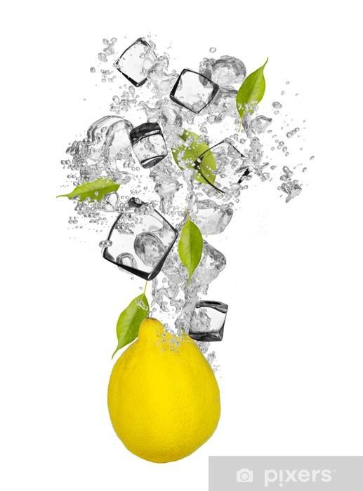 Vinyl Fotobehang Verse citroen die in water splash - Muursticker