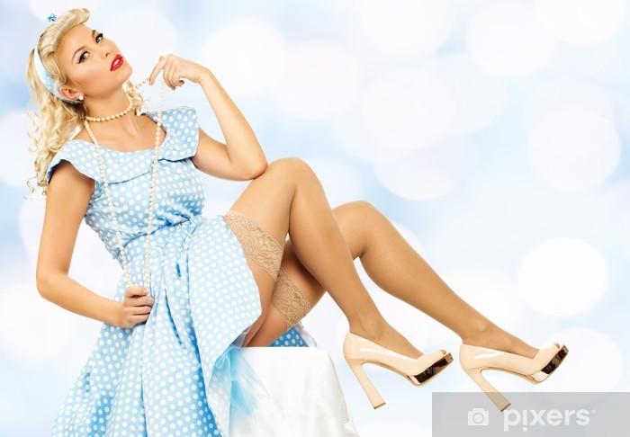 b7807e7a4 Vinylová fototapeta Sexy koketa blond pin up styl mladá žena v modrých  šatech - Vinylová fototapeta