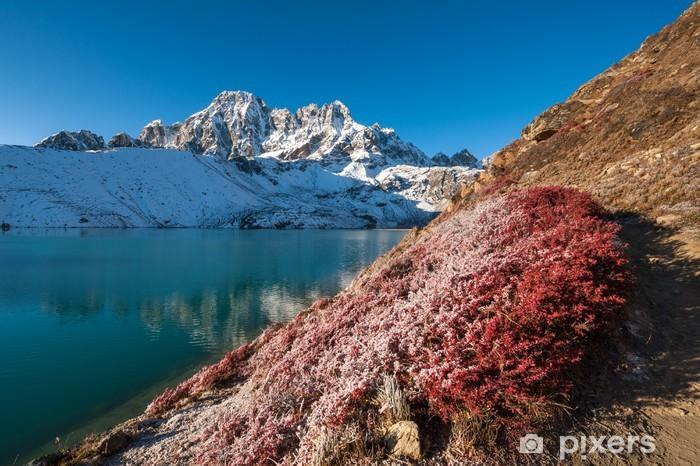Fototapeta winylowa Pharilapche szczyt i Gokyo jeziora jesienią, Nepalu - Tematy