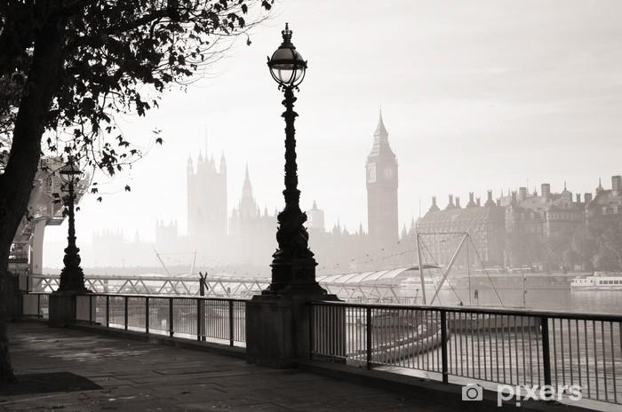 Papier peint vinyle Un épais brouillard frappe Londres - Thèmes