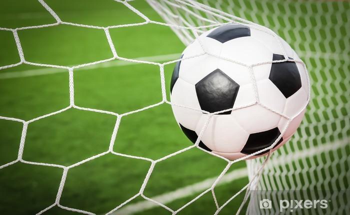 Papier peint vinyle Soccer ball dans le filet de but - Sports collectifs