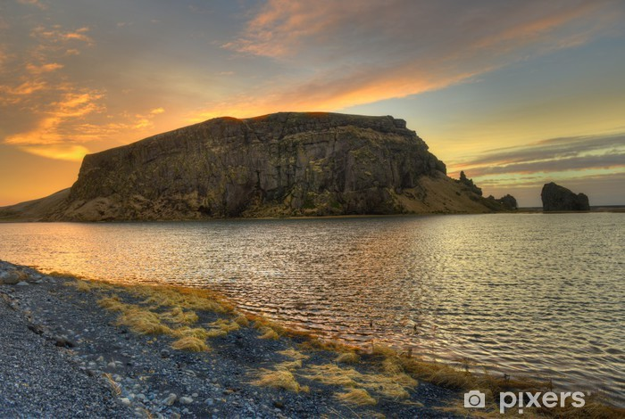 Naklejka Pixerstick Podejście do Dyrholaey Islandii - Europa