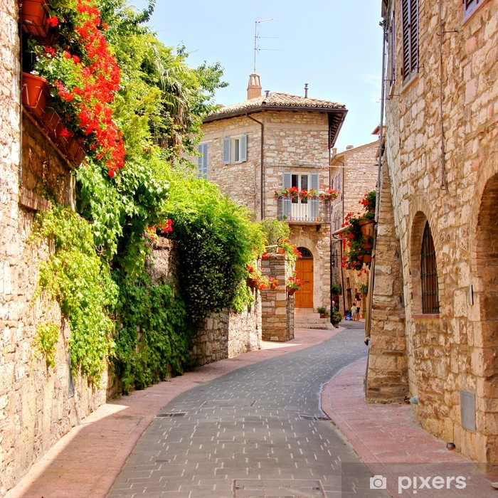 Pixerstick-klistremerke Blomstkantig gate i byen Assisi, Italia -