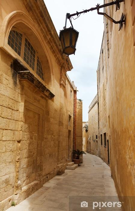 Nálepka Pixerstick Maltese úzká ulice v Mdina, Malta - Evropa