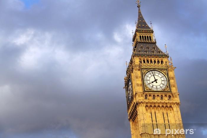Sticker Pixerstick Big Ben à Londres avec le fond de nuages - Villes européennes