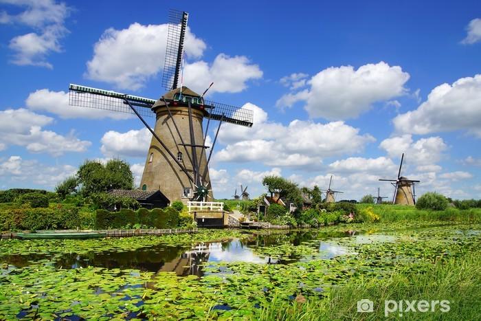 Papier peint vinyle Paysage pittoresque avec des moulins à vent. Kinderdijk - Moulins à vent