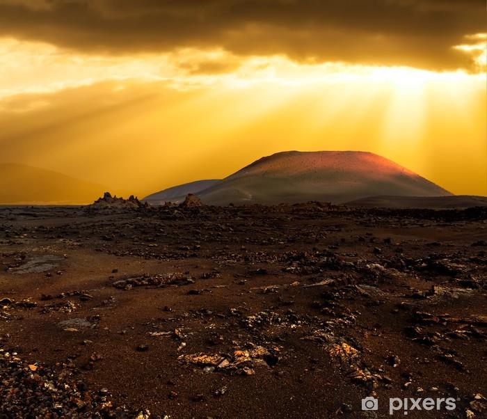 Fototapeta winylowa Zachód słońca nad wulkanem - Europa