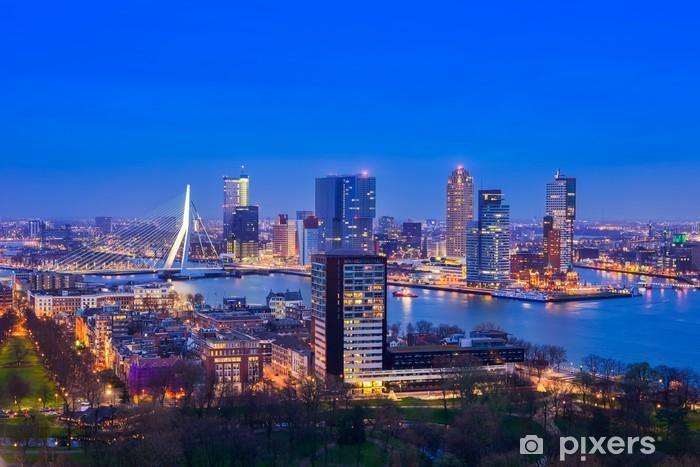 Fototapeta winylowa Rotterdam o zmierzchu z euromast - Tematy