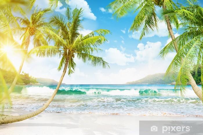 Papier peint lavable Île tropicale avec palmiers - Thèmes