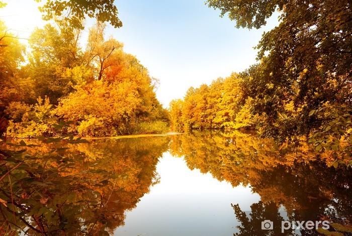 Naklejka Pixerstick Jesienią lasu nad rzeką - Tematy