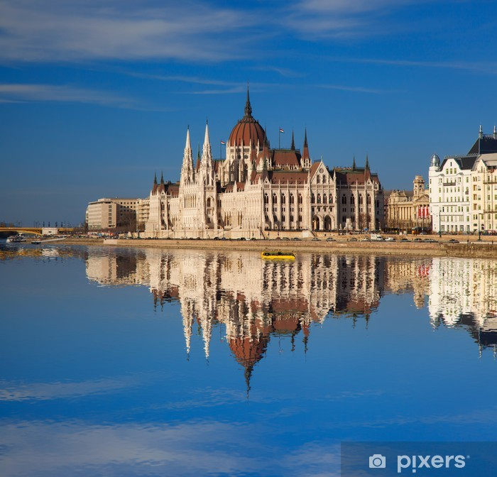 Poster Berühmte Parlament mit Fluss in Budapest, Ungarn - Europa