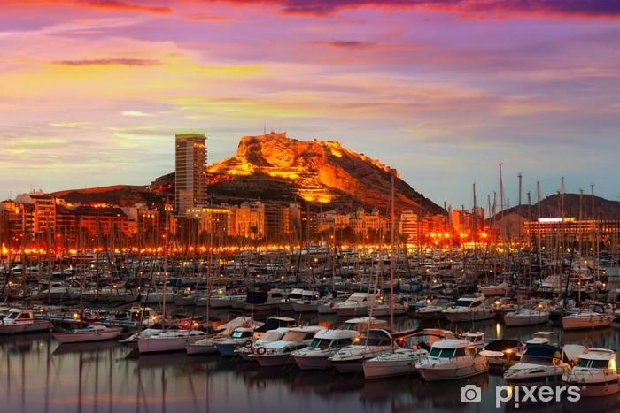 Carta da Parati in Vinile Porto di yacht durante il tramonto. Alicante, Spagna - Temi