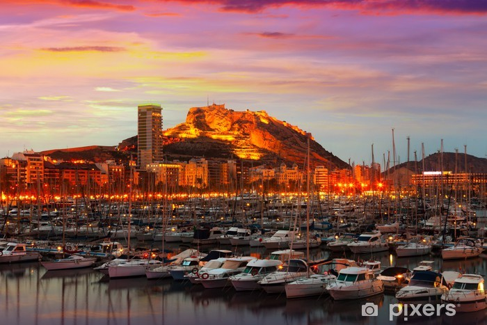 Vinyl-Fototapete Hafen mit Yachten bei Sonnenuntergang. Alicante, Spanien - Themen