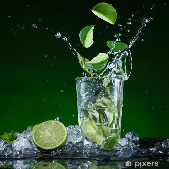 Poster Frische Frucht-Cocktail in gefrier Bewegung Spritzwasser - Gerichte