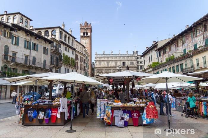Pixerstick Aufkleber Die Madonna Verona Brunnenskulptur in Verona - Europa